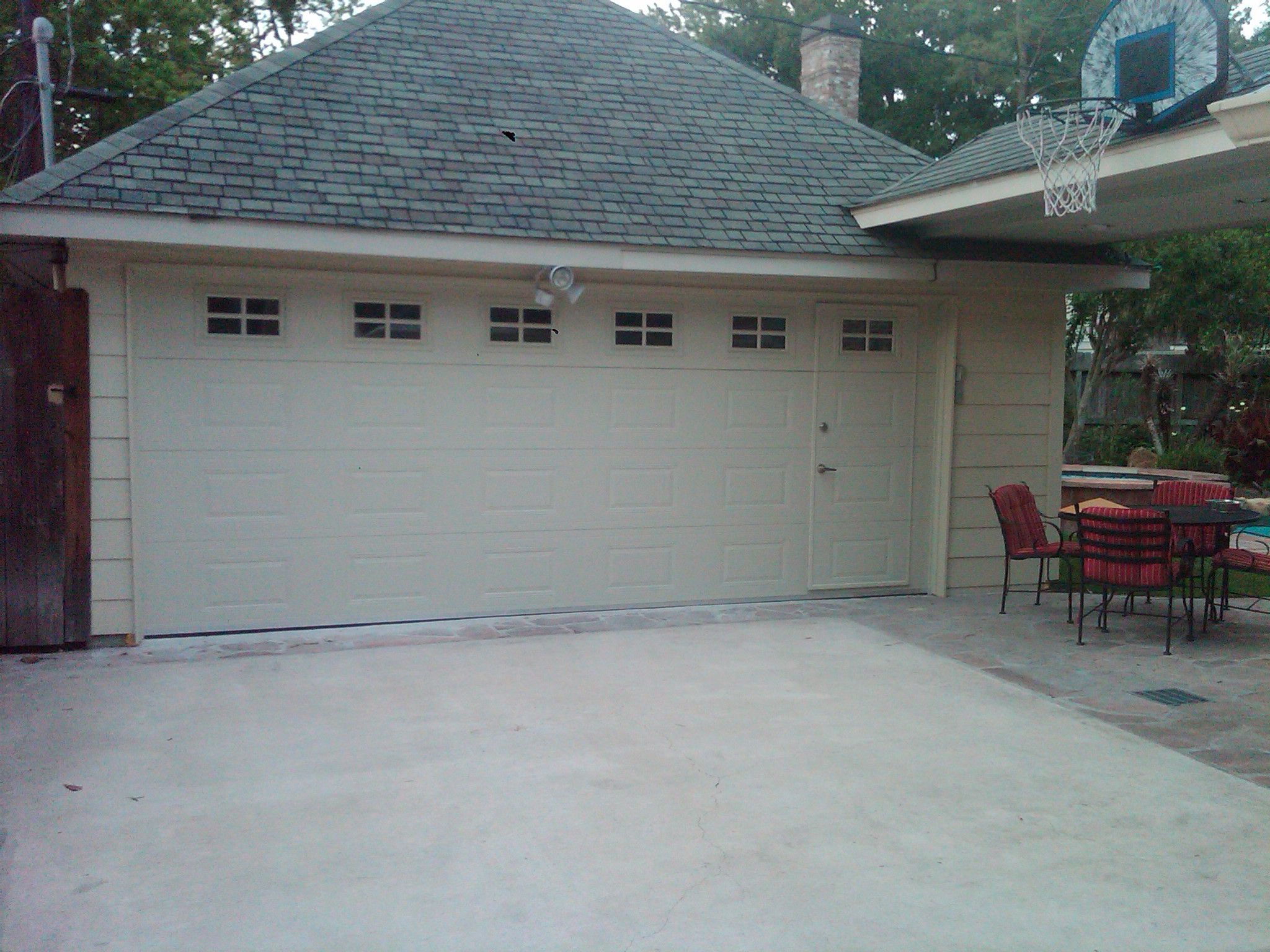 walk-thru-garage1